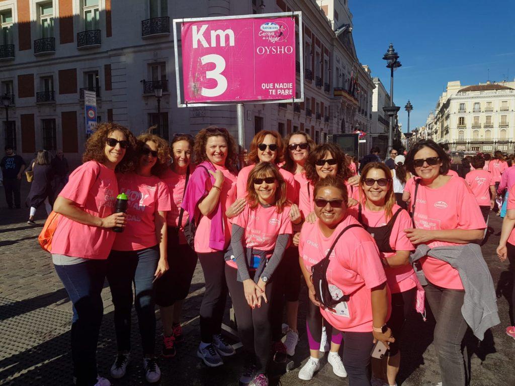 El pasado día 12 de mayo, Zonta Madrid Km 0 se ha vestido de rosa para participar en la carrera de la mujer, colaborando así con la investigación de la cáncer de mama